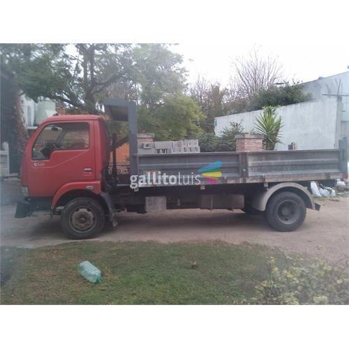 Camión  con volcadora 4 toneladas exelente estado