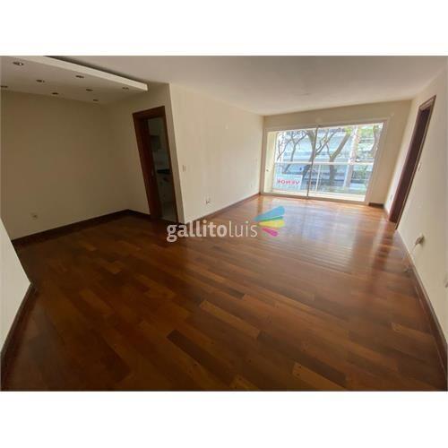 Apartamento de 3 dormitorios con 1 garage en punta carretas