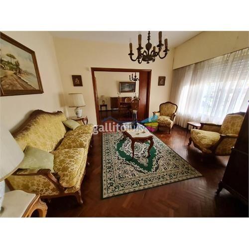 Vende casa 3 dormitorios, escritorio, garaje y barbacoa