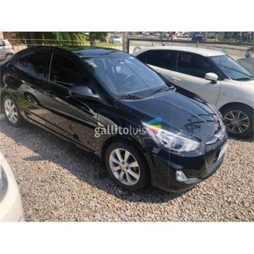 Hyundai accent 1.4 6 airbag/pantalla 1 dueña!