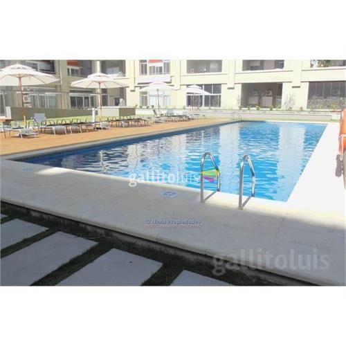 Dueño vende amplio con piscina bajos gc