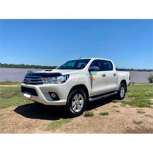 Toyota hilux srv 3.0 4x2 2017